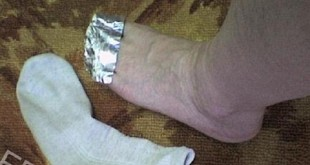 Scientist-Explains-What-Will-Happen-If-You-Wrap-Your-Feet-With-Aluminum-Foil